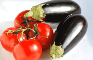 сладкий помидор баклажан
