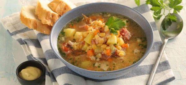 едим гороховый суп