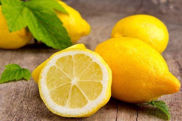 полезные и вредные свойства лимона