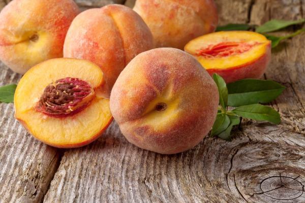 выбор персиков для употребления